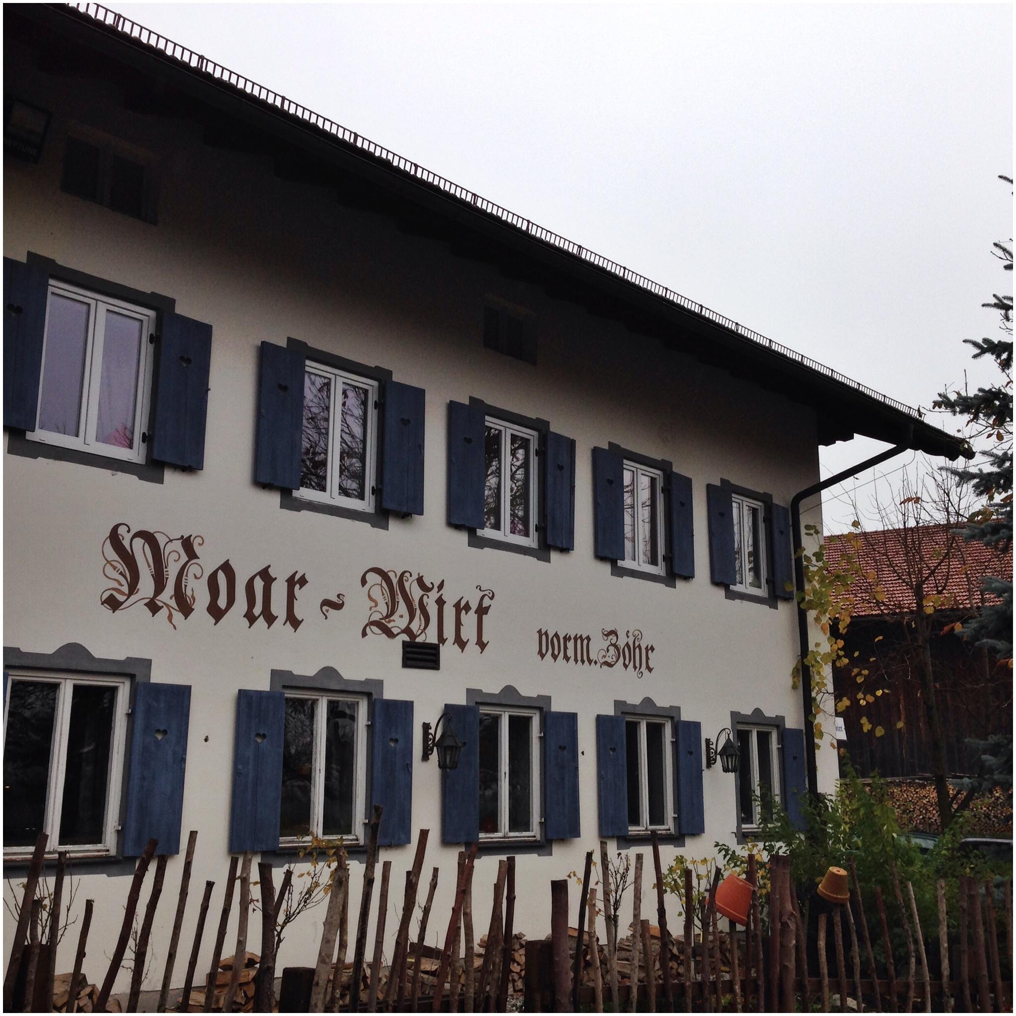 Moarwirt, Building